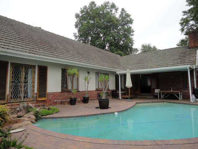 4 Bedroom House For Sale in Kloof | Tyson Properties