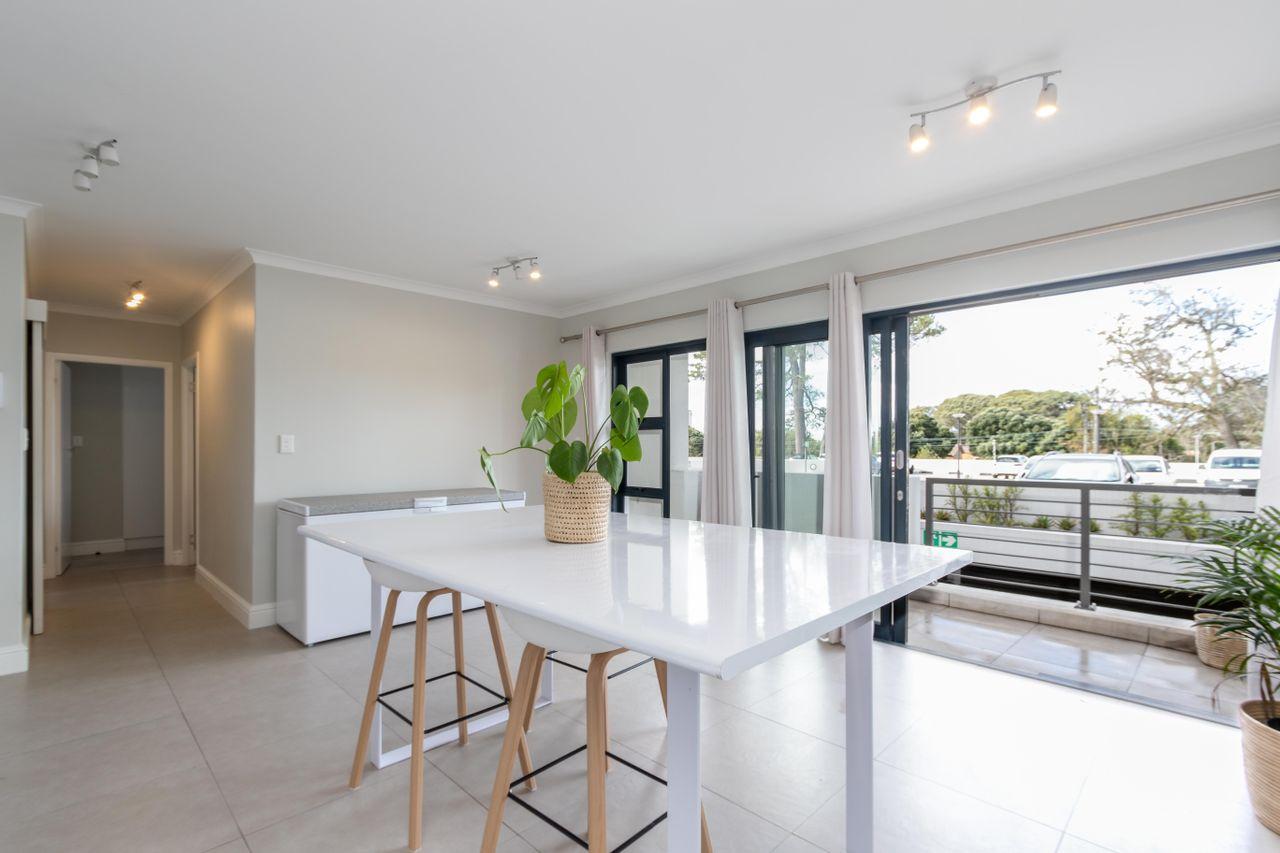 2 Bedroom Apartment For Sale in Kenilworth Upper