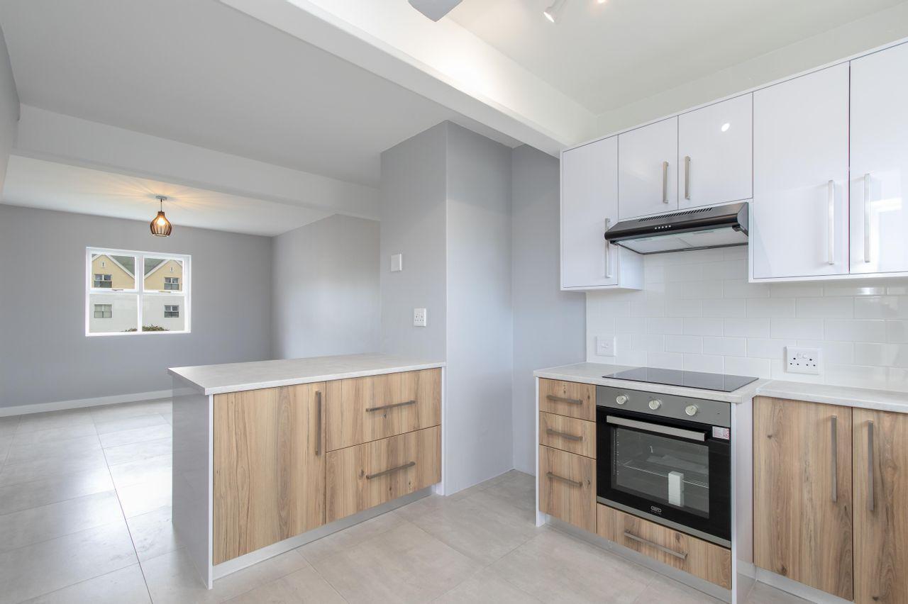 2 Bedroom Apartment For Sale in Rondebosch East
